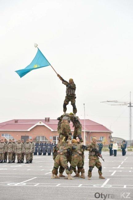 Молодые солдаты из южного Казахстана отправились в армию