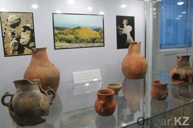 Первый выставочный центр среди ВУЗов РК открылся в Южном Казахстане
