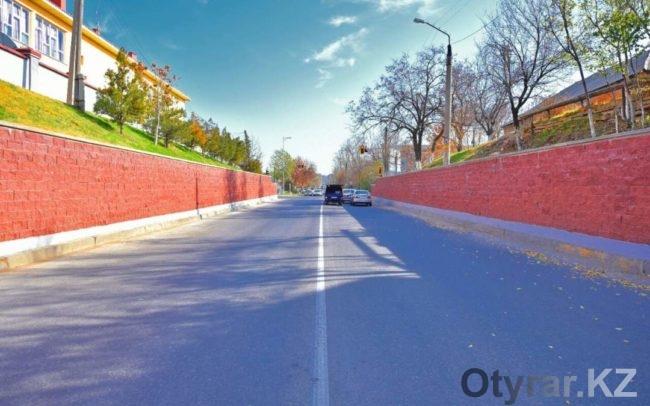 Проведена облицовка подпорной стены по улице Торекулова