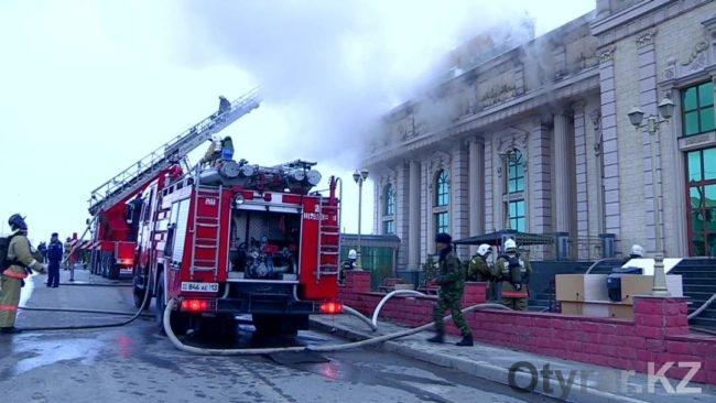 В Шымкенте загорелся крупный зал торжеств