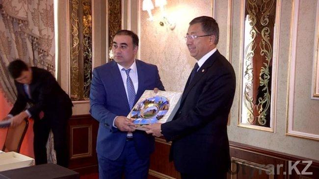 Аким ЮКО и посол Азербайджана Рашад Маммадаров