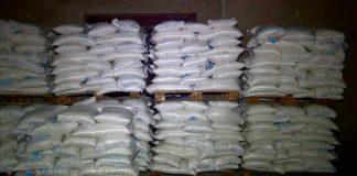 Мешки с сахаром на складе