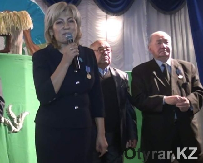 """В поселке Коксаек ЮКО открылся бесплатный магазин """"Спасибо"""""""