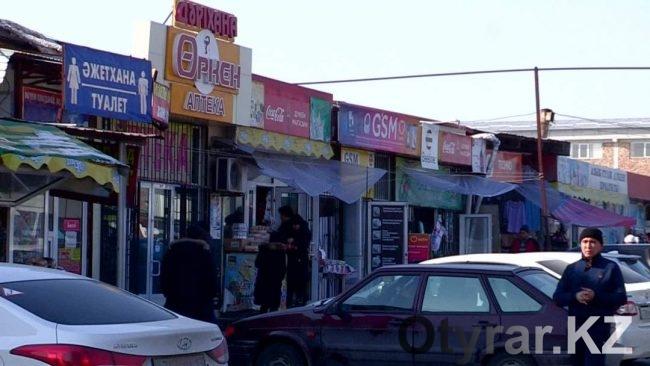 Эксперты по бизнесу консультируют торговцев прямо на рынках Шымкента