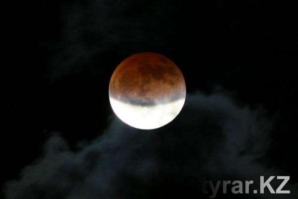 Ночью жители России смогут наблюдать лунное затмение