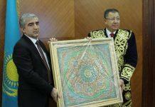 Аким ЮКО и глава делегации Таджикистана