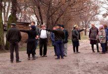Жители улицы Комсомольская требуют ремонта дороги