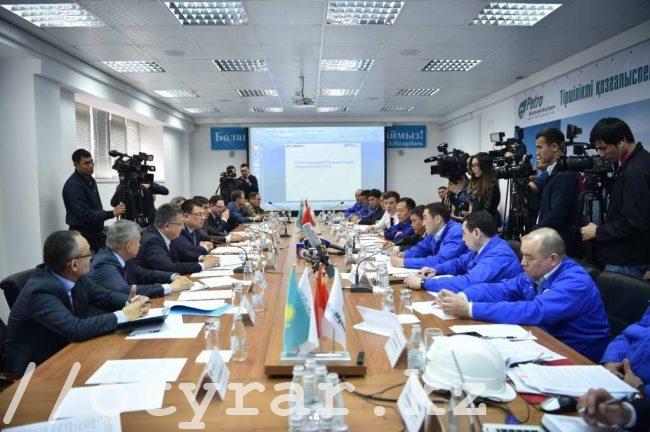 Министр энергетик РК Канат Бозумбаев на НПЗ