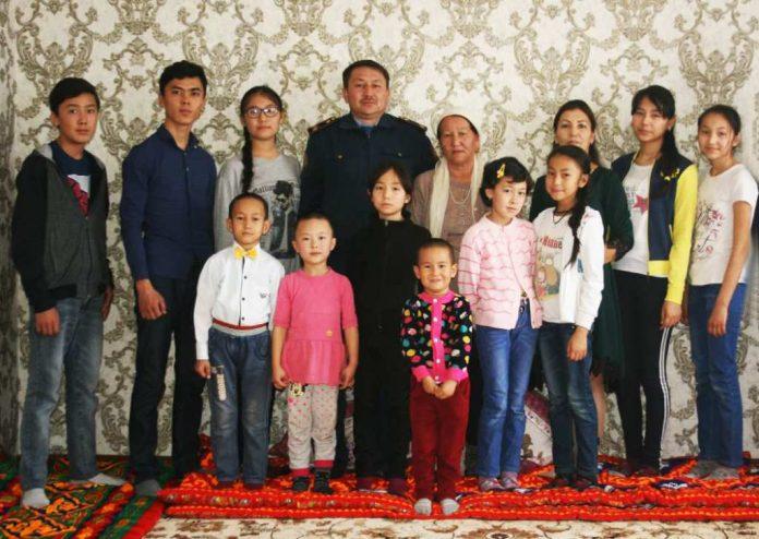 Многодетная семья сержанта полиции