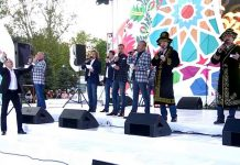 """""""Хор Турецкого"""" спел в Шымкенте на казахском языке вместе с народом"""