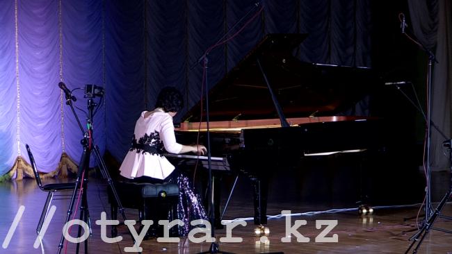 В Шымкенте прошел юбилейный концерт Народной артистки РК Жании Аубакировой