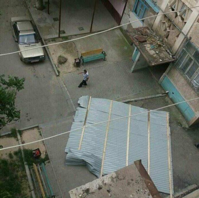 Шымкенту сорвало крыши