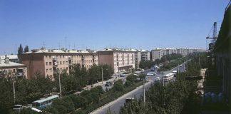Перекресток проспекта Ленина и улицы Ильича в Чимкенте. Фото Юрия Куйдина