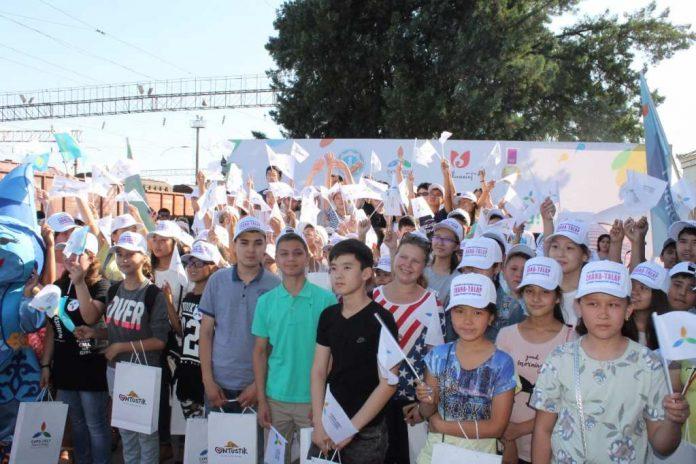 Первые 4 тысячи учащихся отправились из Шымкента на выставку ЭКСПО-2017