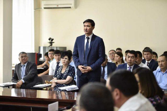 Районные акимы Шымкента рассказали о судьбе вопросов и жалоб горожан
