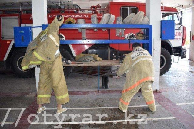 Журналисты примерили на себя груз пожарных