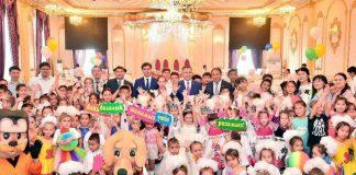 """Праздник в зале торжеств """"Шымкентхолл"""" для детей-сирот"""