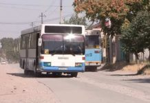 Жители улицы Клары Цеткин в Шымкенте утопают в пыли