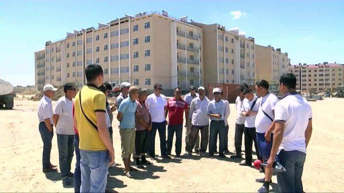 В Шымкенте строители требуют выплатить полугодовой долг по зарплате