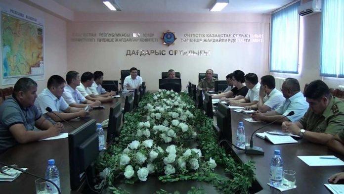 Сотрудники Департамента по ЧС провели круглый стол с руководителями образовательных учреждений области