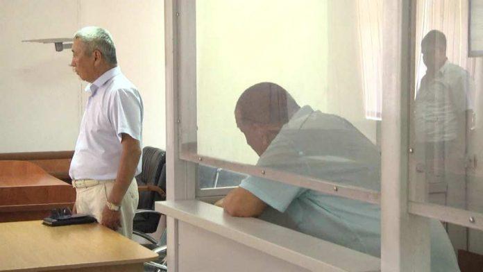 Наркоторговец напал на полицейских когда они пришли к нему домой с обыском