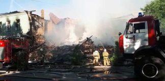 Пожар в Шымкенте разрушил здание до основания