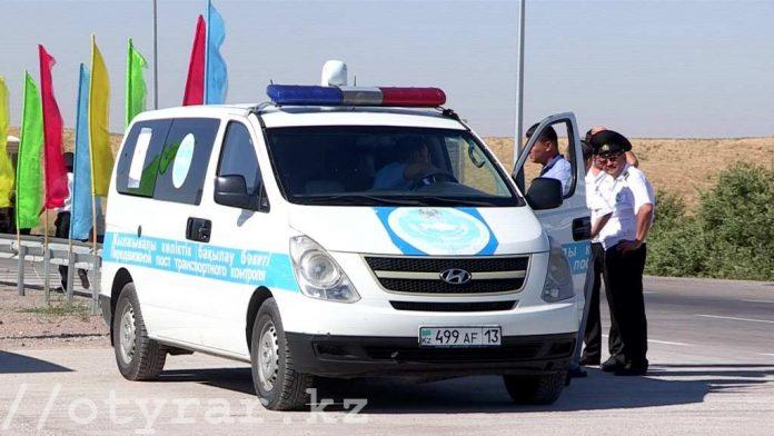 На трассе Шымкент- Ташкент прошла дорожная акция - приемная на дороге