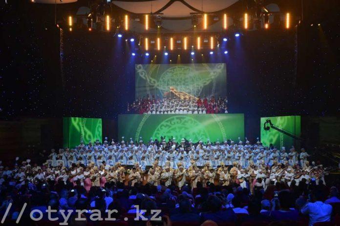 В Астане прошел гала-концерт «ЭКСПО-ға Оңтүстіктен ән шашу!»