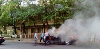 Джип загорелся на улице Байтурсынова
