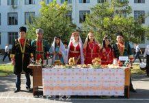 Полицейские ДВД Южно-Казахстанской области отметили День языков народов Казахстана.