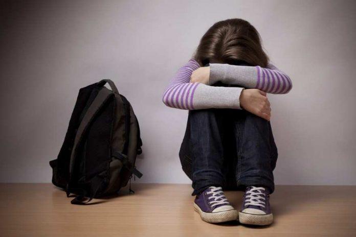 13-летнюю жертву насилия выгоняют из школы в Шымкенте