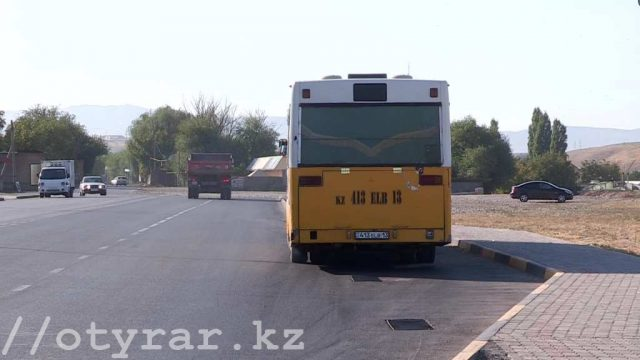 Автобус №33 на стоянке