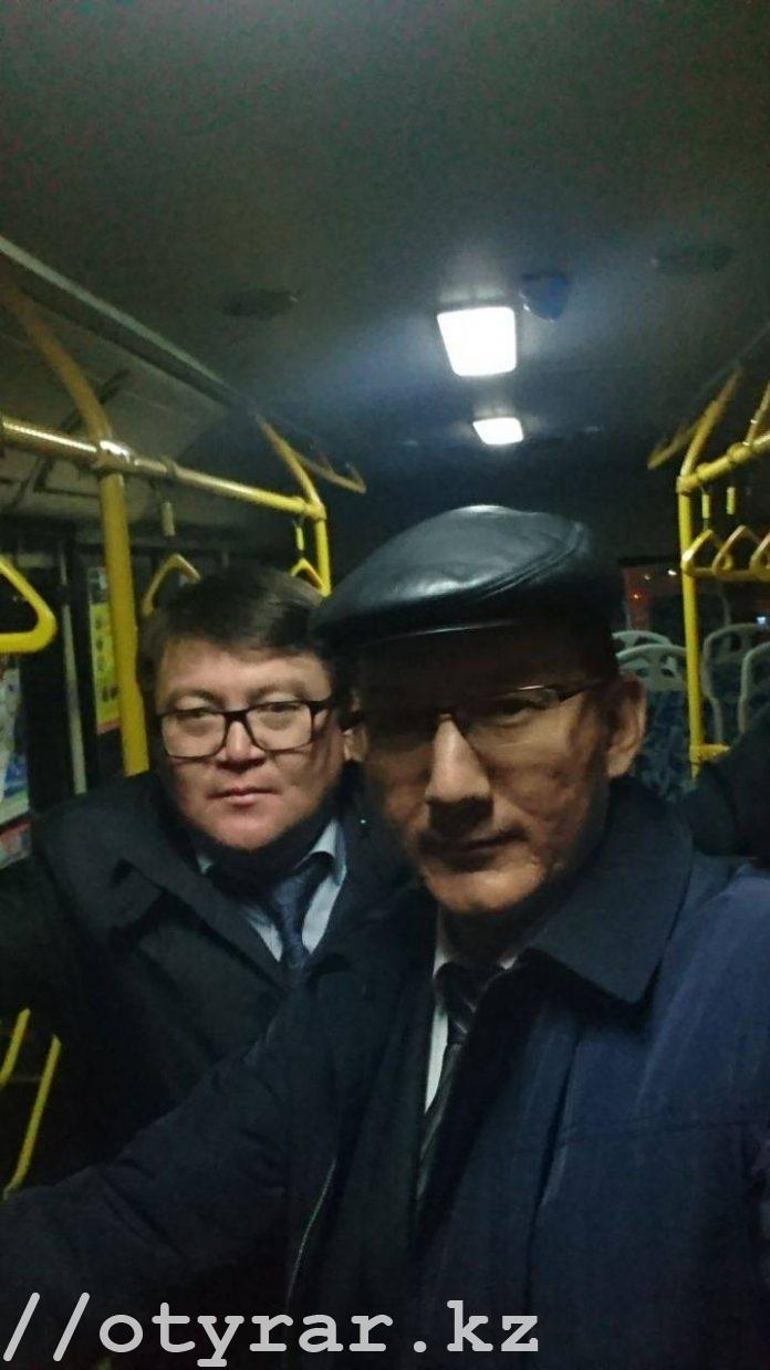 Чиновники Шымкента селфятся в автобусах