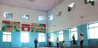 Школа №2 в Ленгере 65 лет без ремонта