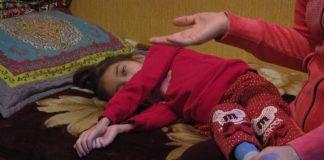 Лаура Сагатова - тяжелобольная девочка