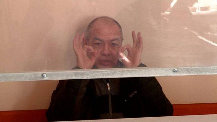 Тохтар Тулешов рассмеялся в суде от обвинений прокурора