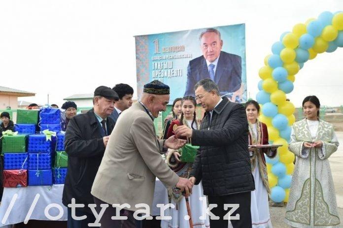 Вручение ключей от квартир в селе Темирлан