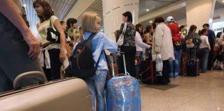 Главный санврач рекомендовал казахстанцам не выезжать в ряд стран