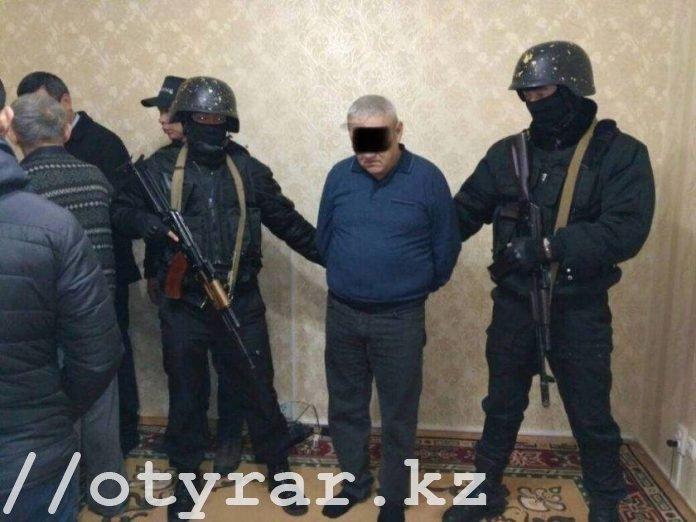 В состав нефтяной ОПГ в ЮКО входили как охранники-похитители нефти, так и владельцы асфальтных заводов