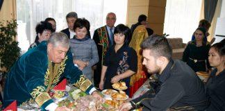 """Фестиваль """"Казак дастарханы"""" напомнил о забытой национальной кухне"""