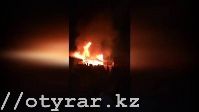 Пожар на рынке в Сарыагаше