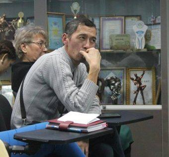 Кайрат Карибаев на круглом столе по ФМС