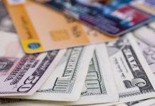 Как отправить деньги за рубеж, когда банки отдыхают