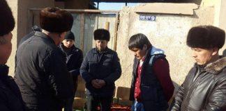 Узбекистанцев хоронят близкие