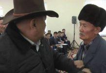 На встрече с руководством ЖКХ шымкентцы устроили битву за микрофон