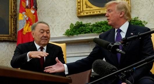 Трамп и Назарбаев рукопожатие
