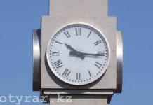 Часы на вокзале Шымкента