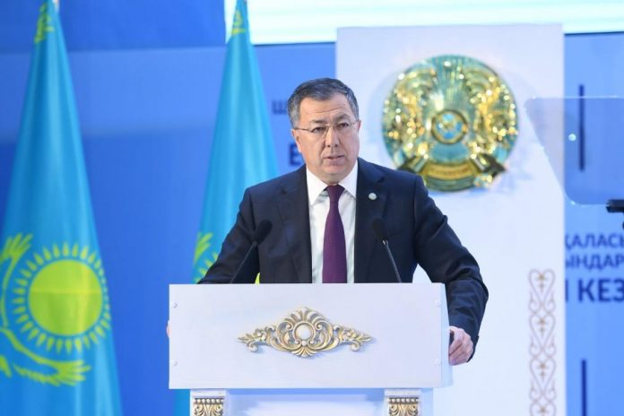 Аким ЮКО Жансеит Туймебаев на отчете городского акима
