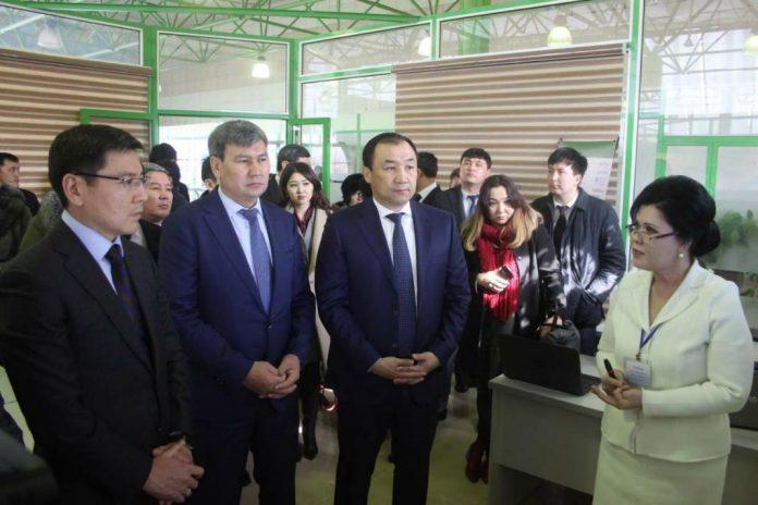 Прибывший в ЮКО заместитель Премьер-Министра ознакомился с проектами цифровизации