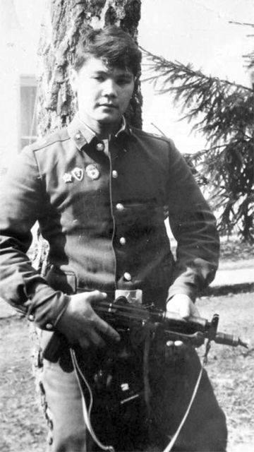 Бахадыр Нарымбетов, армейское фото